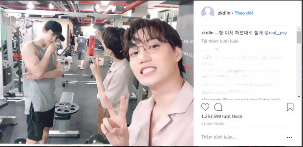 Kai (EXO) vừa đăng bức ảnh này lên instagram. Hầu hết các comment đều nói rằng họ bị mất tập trung vì bắp tay của Chanyeol.