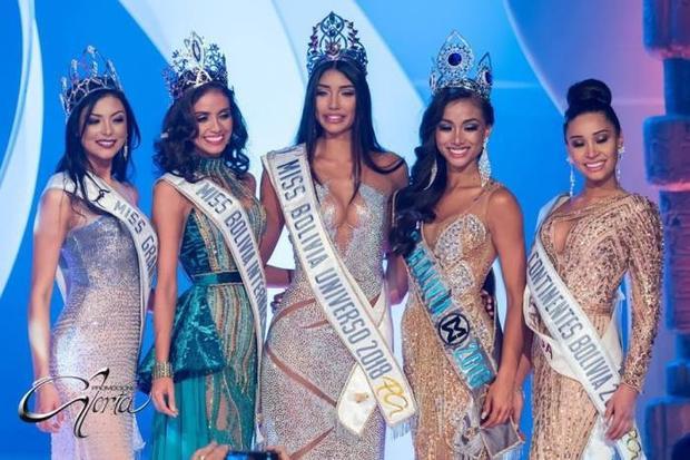 Bolivia:Tóc thẳng, rẽ ngôi giữa tiếp tục được cho là điều mang lại may mắn cho Joyce Prado - cô gái đăng quang Hoa hậu Bolivia 2018.