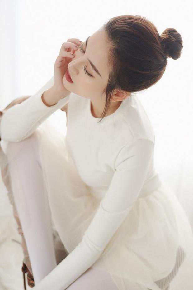 Hot girl Hà Thành được mệnh danh là người đẹp không góc chết.