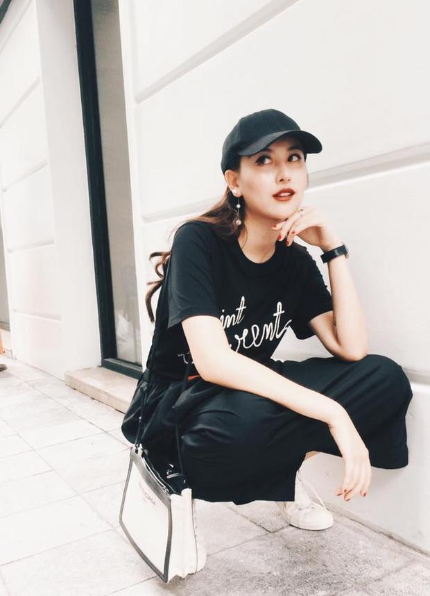 """Đơn giản với set đồ đen như phong cách của Kỳ Duyên nhưng Hà Lade vẫn """"xinh lung linh"""", thể hiện được màu cá tính riêng biệt."""
