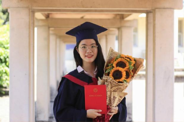 Phạm Thị Hồng Vân là thủ khoa Ngôn ngữ và Văn hóa Pháp của Đại học Ngoại ngữ. Ảnh:Dương Tâm