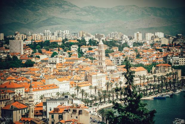 View toàn cảnh phố cổ của Split từ đồi Marjan.