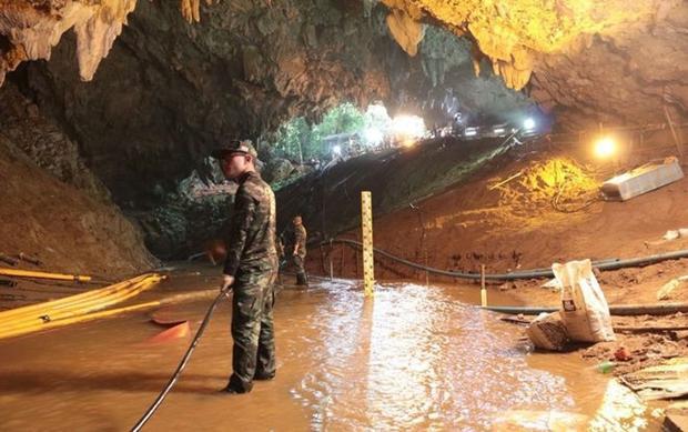 Thái Lan đang chuẩn bị các bước để cứu hộ đội bóng nhí ra khỏi hang Tham Luang sau 15 ngày mắc kẹt. Ảnh: Hải quân Hoàng gia Thái Lan