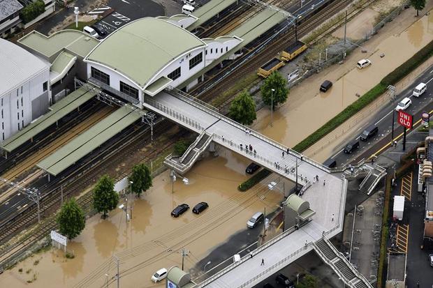 Nơi bị ảnh hưởng nặng nhất là vùng Kinki bao gồm các tỉnh Kyoto, Hyogo và Osaka, vốn là những nơi đang chịu sự ảnh hưởng của trận động đất hồi tháng 6 vừa qua.