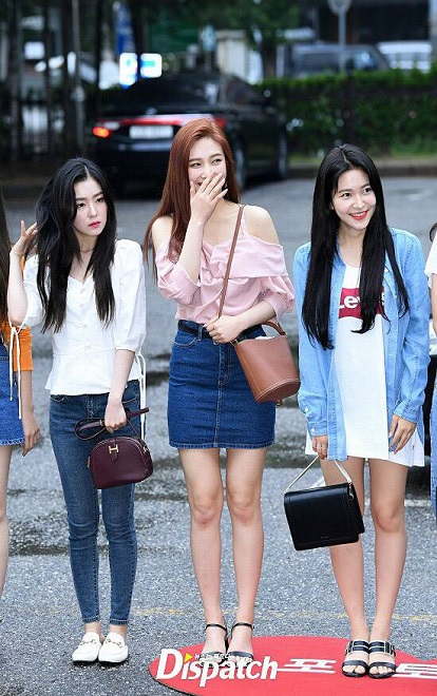 Chào hè với mái tóc màu lạ, Joy Red Velvet làm sáng bừng cả Music Bank