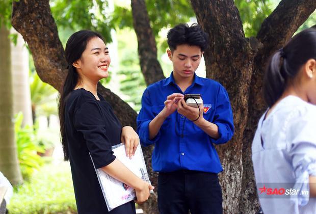 Phương Thảo đã trải qua kì thi THPT Quốc gia với kết quả khả quan nên tâm lý của nữ sinh khá thoải mái trước buổi thi năng khiếu.