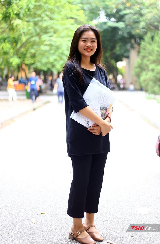 Nguyễn Trần Phương Thảo - cựu hoa khôi THPT Việt Đức cũng là một thí sinh năm nay. Cô dự thi vào khoa Phát thanh và Truyền hình