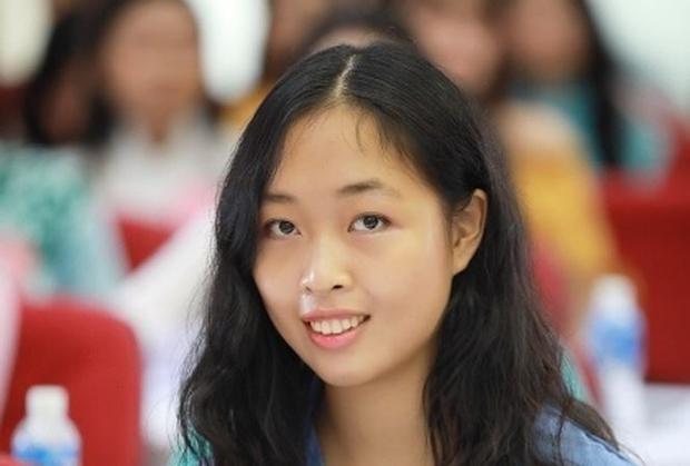 Đỗ Hoàng Vân là trường hợp đầu tiên thí sinh có trình độ học vấn trên Thạc sĩ tham dự Hoa hậu Việt Nam.