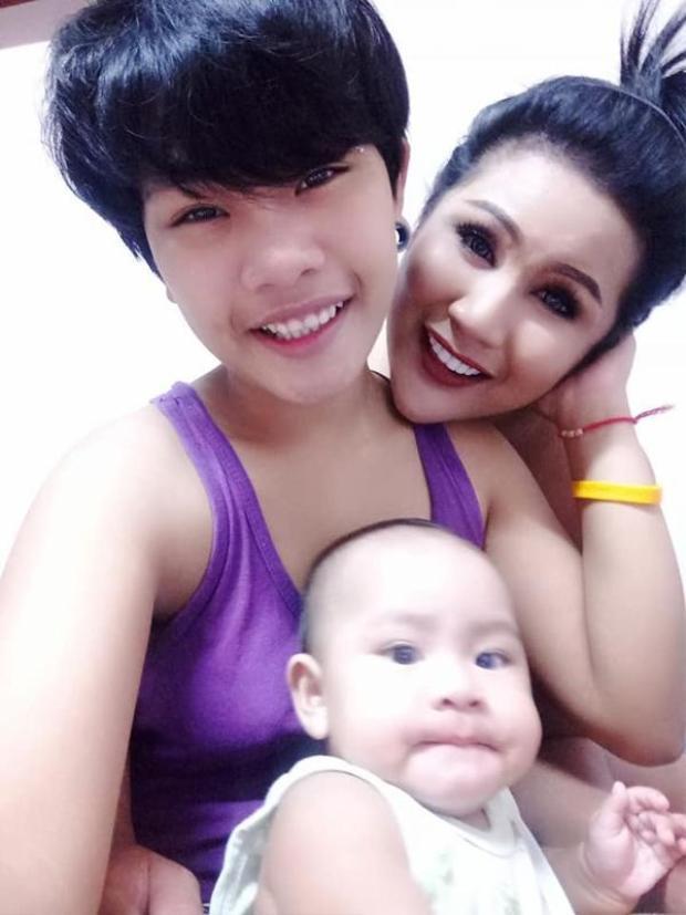 Họ có cuộc sống hạnh phúc hiện tại và dự định sẽ tổ chức thêm 1 đám cưới nữa khi Pitchaya bước sang tuổi 17.