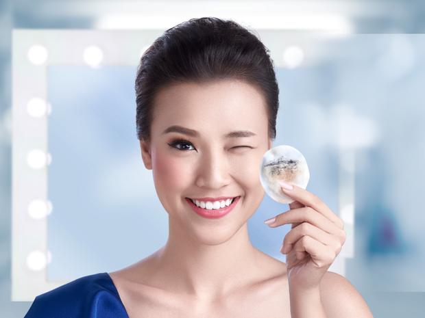 Thêm một bước tẩy trang vào quy trình dưỡng da để da được làm sạch tốt hơn.