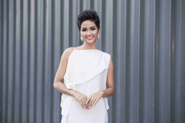 Hình thể của cô nhận được nhiều lời khen từ khán giả vì săn chắc hơn và có nhiều cải thiện, phù hợp với tiêu chí của cuộc thi Miss Universe.