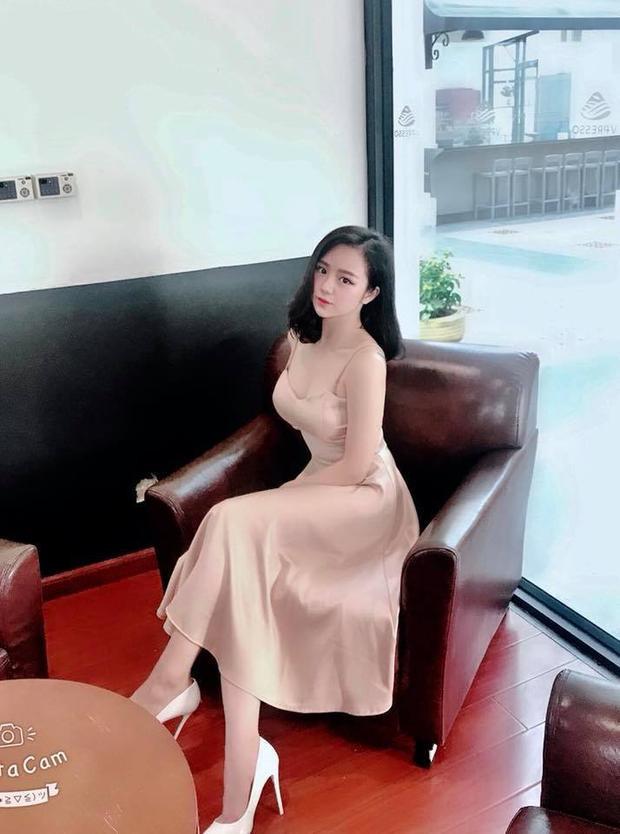 Thủy Tiên sở hữu vẻ đẹp vô cùng nóng bỏng.