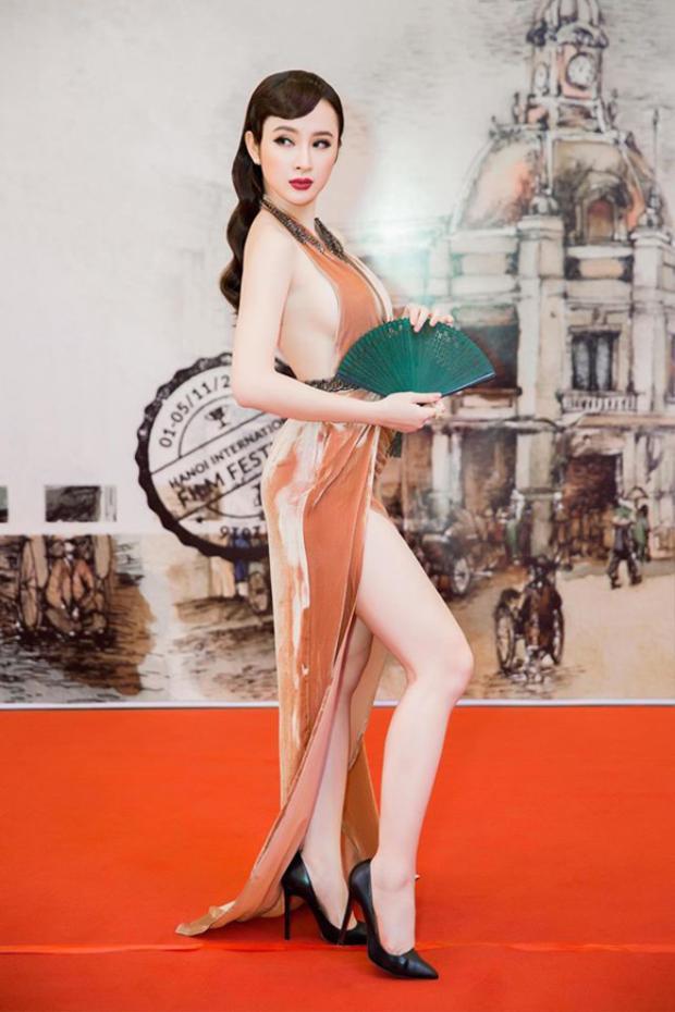 Vẫn biết Angela Phương Trinh có vóc dáng đẹp…