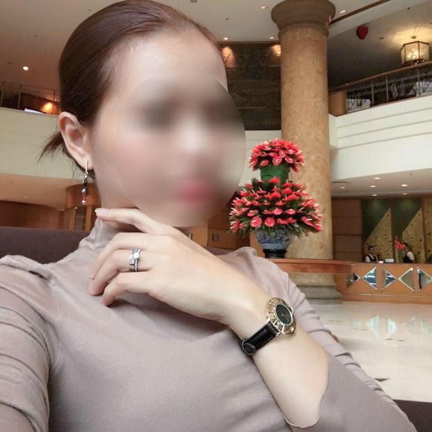 Chân dung người phụ nữ bị tố là kẻ thứ 3, đồng lời là bạn gái cũ của chồng cô nàng nhân vật chính từ 13 năm trước.
