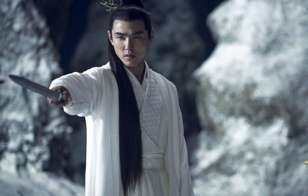 Hết giả danh Vũ Văn Tử tiến cung làm Vương hậu, Phù Dao lại mạo danh Phật Liên trở thành hôn thê của Vô Cực