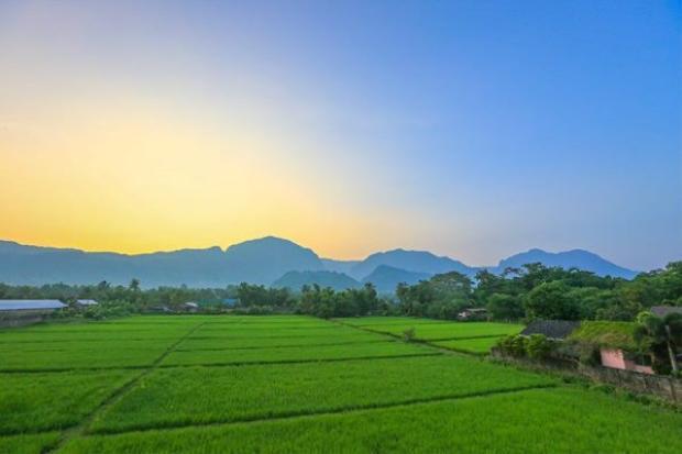 Phong cảnh yên bình tuyệt đẹp quanh dãy Nang Non