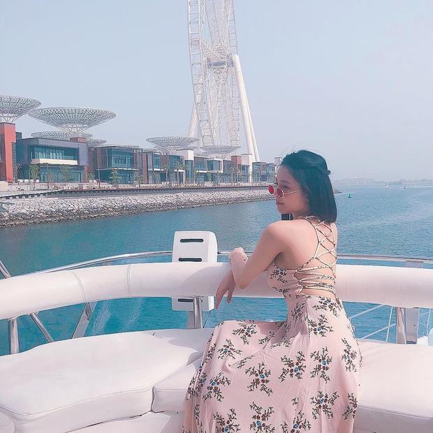 Hot girl cổ vũ World Cup Trâm Anh sang chảnh trong ảnh du lịch Dubai