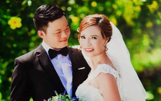 Chị Sao bên người chồng sắp cưới.