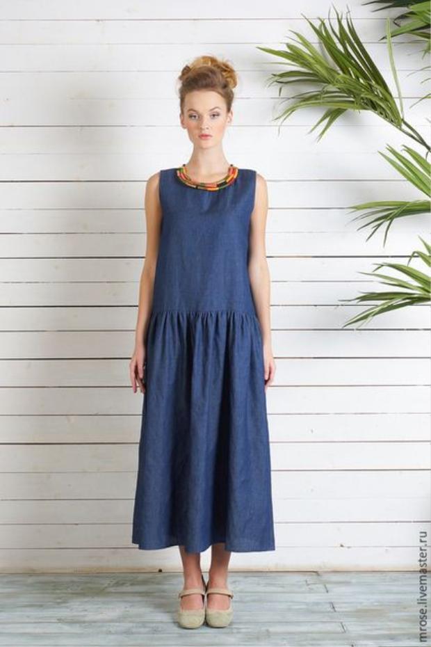 """Bên cạnh những kiểu váy nhấn ngay vùng bụng, thiết kế đầm với đường rã hạ eo cũng là một cách rất hay giúp """"nàng bầu"""" trông vẫn """"thon thả"""" dù có đang """"bụng vượt mặt""""."""