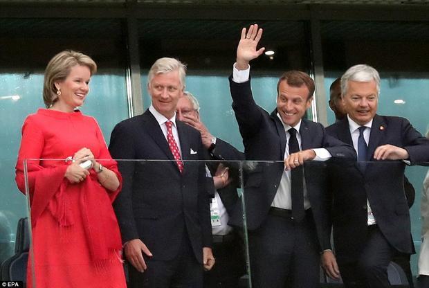 Rạng sáng ngày 11/7 (giờ Việt Nam), Tổng thống Pháp Emmanuel Macron có mặt tại sân vận động ở thành phố Saint Petersburg ở Nga để xem trận bán kết giữa Pháp và Bỉ trong khuôn khổ bán kết World Cup 2018. Ảnh: EPA