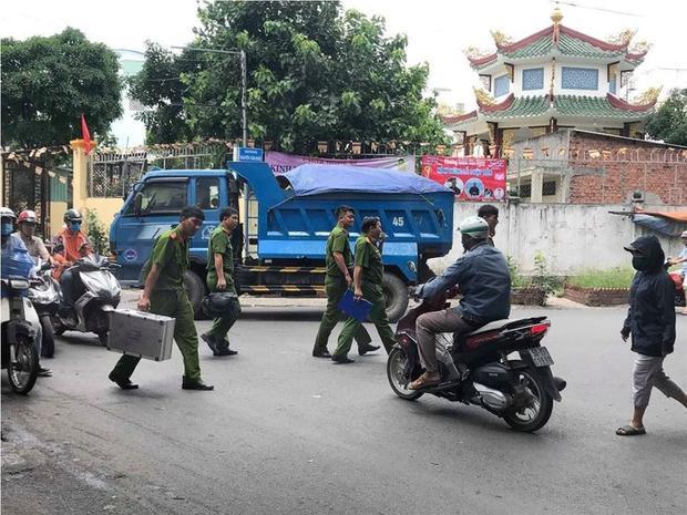 Lực lượng công an có mặt tại hiện trường. Ảnh: báo Tiền Phong.