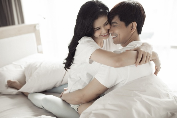 Thông tin trên khiến người hâm mộ thực sự bất ngờ vì trước đó cặp đôi vẫn thoải mái tay trong tay nhau.