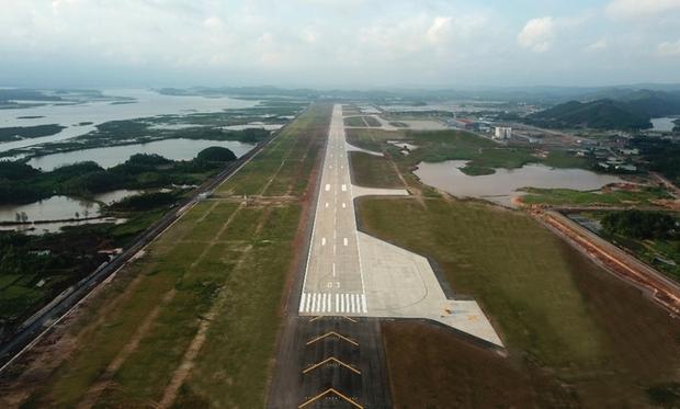 Khi đi vào hoạt động, đây sẽ là cảng hàng không quốc tế hiện đại với đường cất hạ cánh dài 3,6 km, rộng 45 m, có khả năng đón những loại máy bay chuyên chở hàng hoá và hành khách lớn, hiện đại.