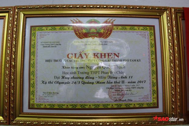 Thành tích đáng nể của Thạch trong 12 năm học cấp 3.