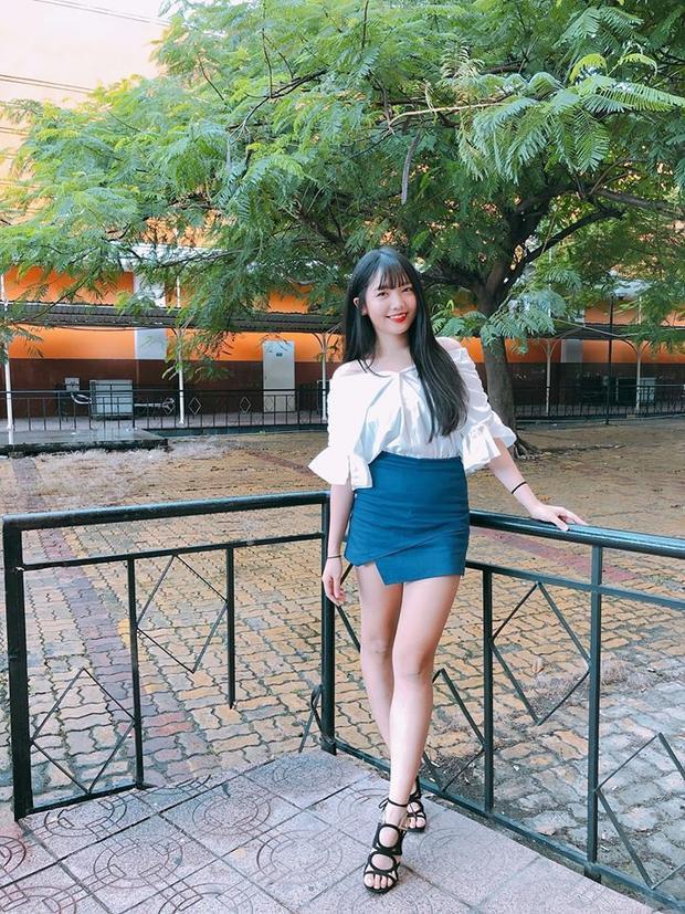 Giờ đây, Rudya Yoo đã thon gọn hơn trước. Gu ăn mặc cũng đã hiện đại hơn, cá tính hơn. Cô cũng chăm khoe ảnh đời thường hơn trước.