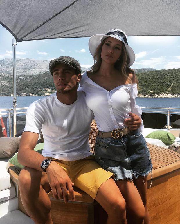 Vợ tiền vệ Mateo Kovacic  nàng wags quyến rũ bốc lửa nhất của tuyển Croatia
