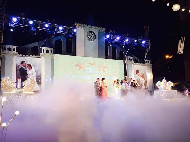 Lễ báo hỉ hoành tráng mời 1.000 khách, nguyên dàn motor đưa dâu, riêng trang trí đã hết 200 triệu ở Buôn Mê Thuột