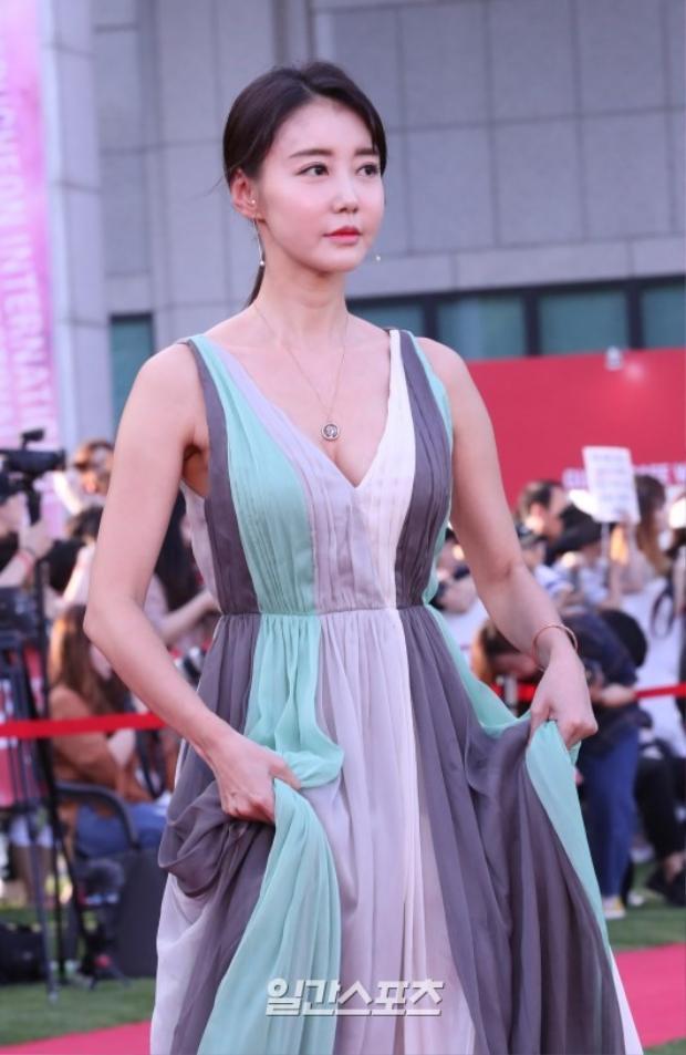 Kim Hwa Yeon.