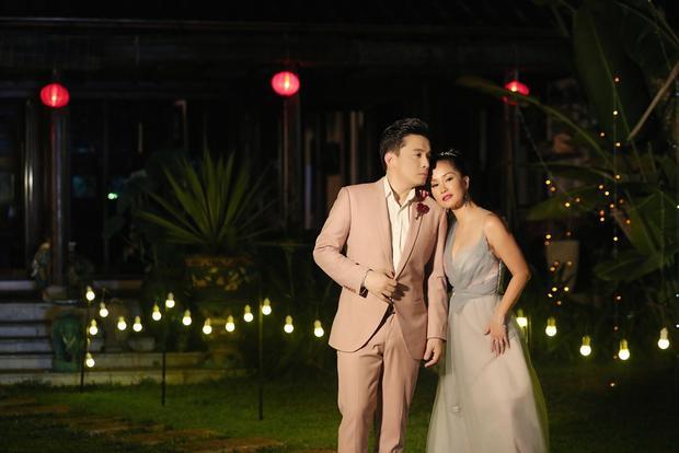 Lam Trường tái hợp chị Bống Hồng Nhung làm sống lại hit Tình yêu tôi hát sau 18 năm