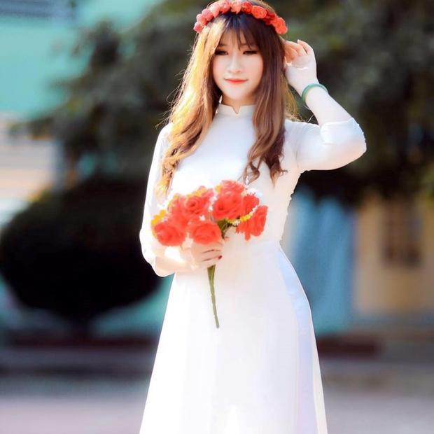 Nguyễn Đoàn Bảo Linh là học sinh lớp chuyên Sử của THPT chuyên Hoàng Văn Thụ - Hòa Bình