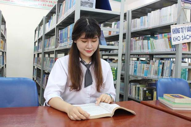 Với kiến thức nền tảng vững chắc, lại thường xuyên ôn thi đội tuyển bộ môn này giúp Bảo Linh vượt qua môn Lịch sử và đạt điểm 10 trong kỳ thi THPT Quốc gia 2018 không quá khó khăn.