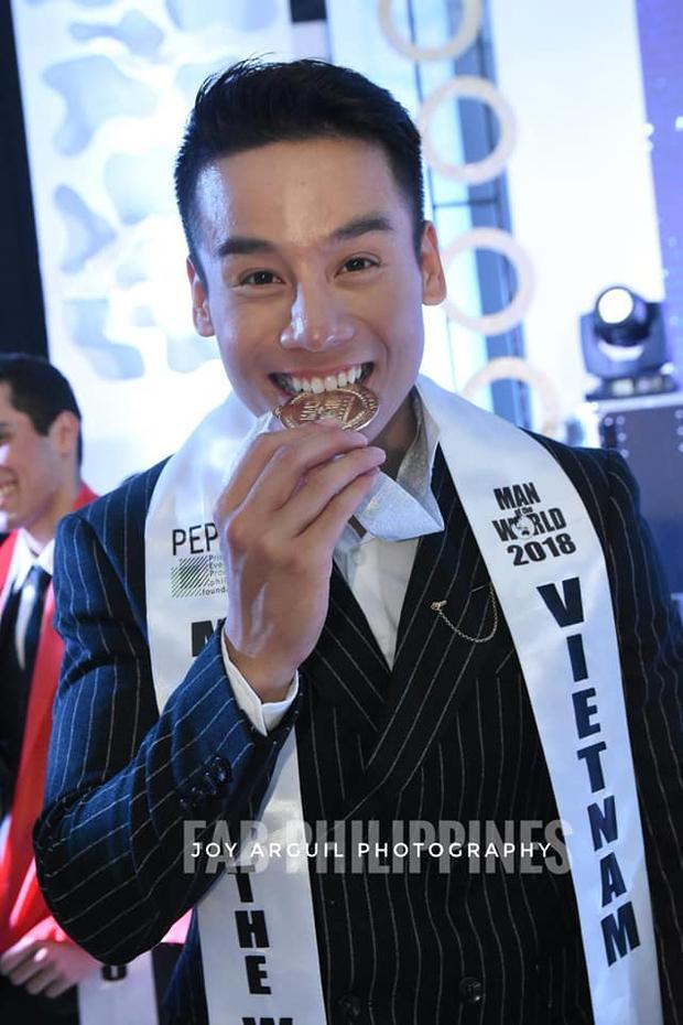 Cao Xuân Tài là chàng trai đến từ TP Đà Nẵng, sinh năm 1995, sở hữu chiều cao 1.82m, cân nặng 75kg. Anh tốt nghiệp trường Đại học Thể dục Thể thao Đà Nẵng.