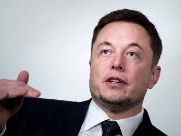 Elon Musk bày tỏ ý định muốn giúp đội bóng Thái Lan bằng tàu ngầm mini.