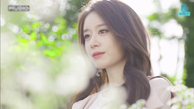 """Và đây, với gương mặt này gọi Jiyeon là """"nữ thần"""" liệu có sai chút nào không."""
