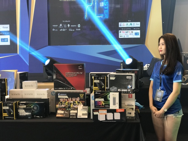 Choáng ngợp với những dàn máy tính độ vừa đẹp vừa độc của giới trẻ Việt