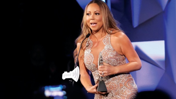 Với những đóng góp bảo vệ cộng đồng người đồng tính, song tính và chuyển giới, diva đã được trao tặng giải thưởng GLAAD Awards.