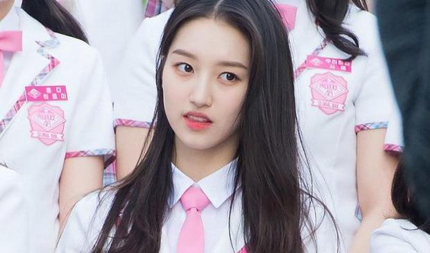 """Hạng 10 - Kim Minseo, dù theo hình tượng """"lầy, bựa"""" nhưng không vì thế mà công chúng có thể lơ đi nhan sắc của Minseo."""