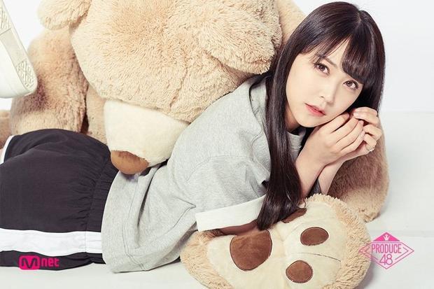 Hạng 9 - Shiroma Miru, đôi mắt to tròn giúp Miru có thể dễ dàng biến hóa theo từng concept, từ dễ thương cho đến quyến rũ, sexy.