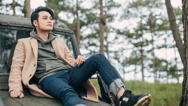 Hiện tại, Quang Vinh ít tham gia các hoạt động nghệ thuật hơn. Thi thoảng anh xuất hiện với một vài ca khúc. Phần lớn thời gian, Quang Vinh đi du lịch nhiều nơi trên thế giới và thường xuyên chia sẻ ảnh trên Instagram cá nhân khiến nhiều người ngưỡng mộ.