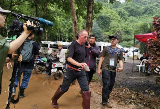 Thợ lặn Anh Vern Unsworth tại hiện trường vụ giải cứu ở hang Tham Luang. Ảnh: Twitter