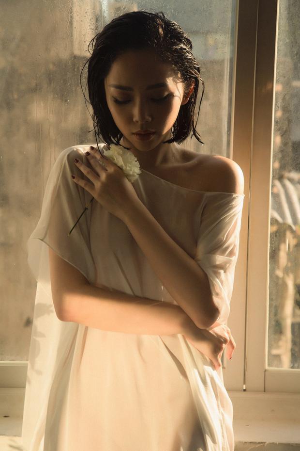 Tóc Tiên tái hợp tri kỷ âm nhạc Hoàng Touliver trong sản phẩm âm nhạc có tựa đề hack não
