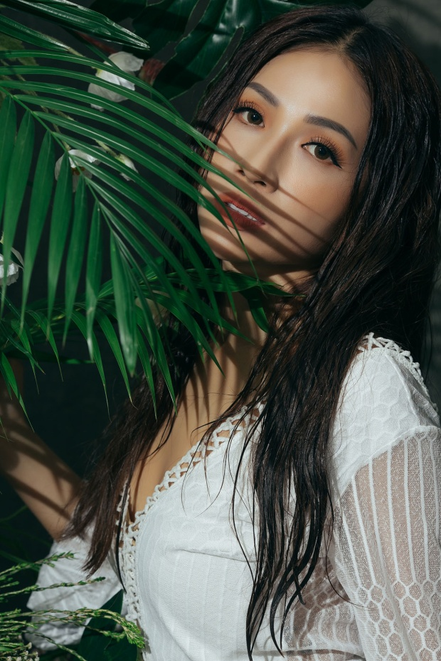 Khả Như khiến khán giả không rời mắt khi quá quyến rũ trong bộ ảnh mới.