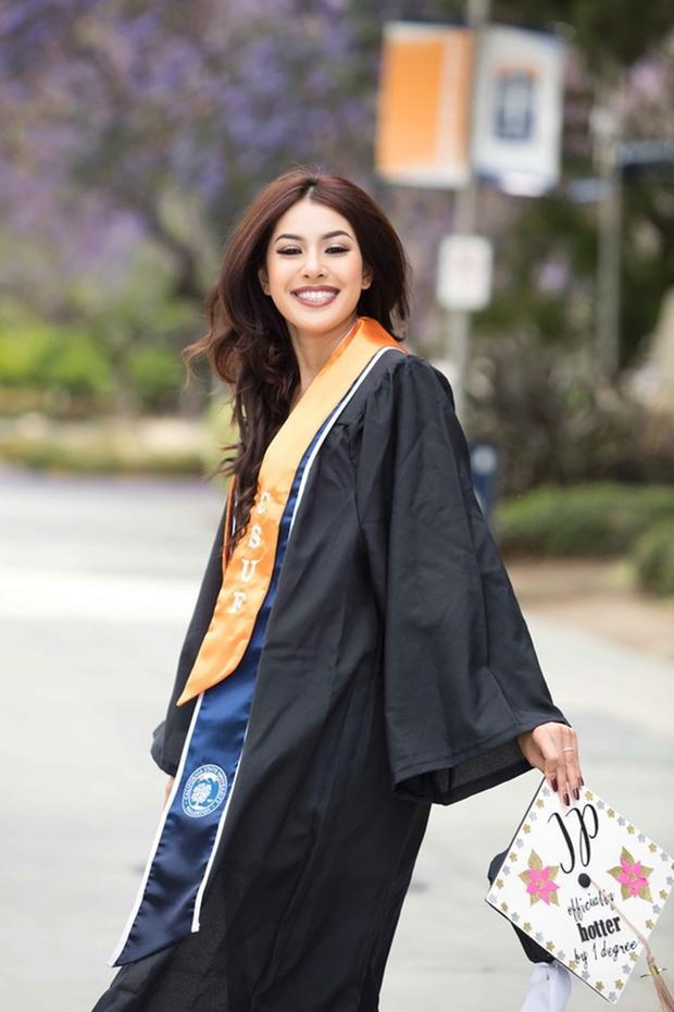 Cô nàng đang ngày càng khẳng định trí tuệ học thức bằng việc một lúc học hai ngành Đại học.