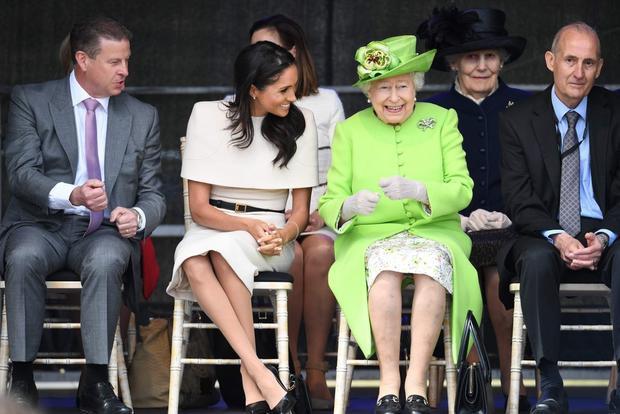 Meghan đang có những nỗ lực trong việc làm con dâu hoàng tộc.