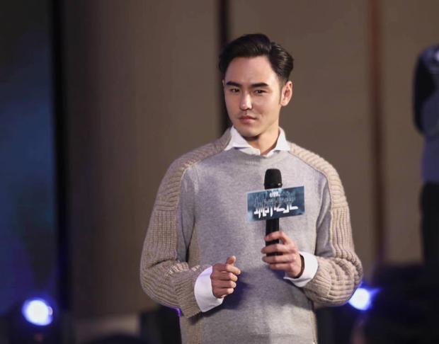 Không cần lộ body, thái tử Vô Cực  Nguyễn Kinh Thiên vẫn khiến fan đổ rầm rầm vì gu thời trang cực phẩm