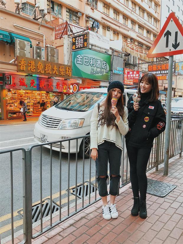 Cận cảnh nhan sắc xinh đẹp của hai cô em gái Trấn Thành